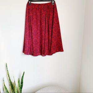 Dresses & Skirts - Red midi skirt with blue design